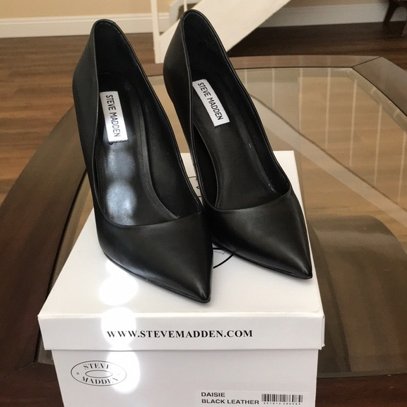 0ce87938795 STEVE MADDEN- Daisie Black Leather pumps NWT